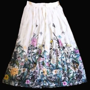 Gorgeous H&M floral butterfly pleated maxi skirt